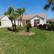 Beautiful 3/2 Designer Home, Free Wifi, Golf Cart and 36 Free Golf Courses