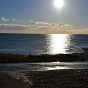 Beach Front Cottage With Mountain Views 5 k From Carlingford