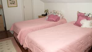 4 bedrooms, iron/ironing board, linens