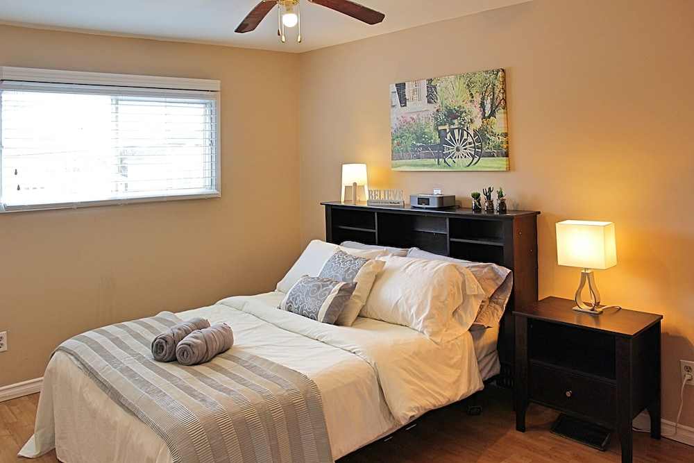 Featured Image, Lakeside 2 Bedroom Guest Suite