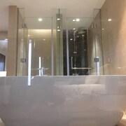 Bồn tắm thủy lực