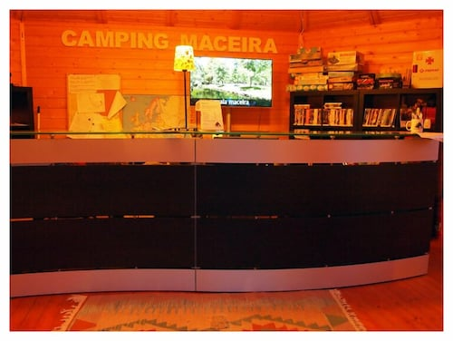 Reception, Camping Maceira
