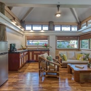 The Kulani Maui: Boutique Bungalow Accommodations one Walking Street to Beach