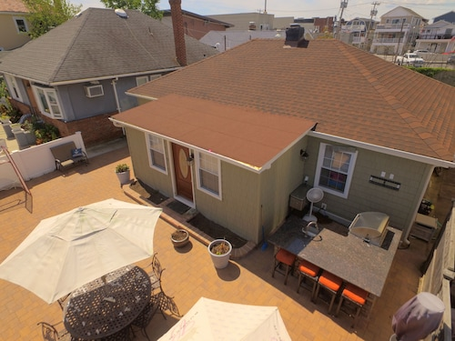 Renovated Home 2 Blocks From Beach. Whole House Getaway In Long Beach!
