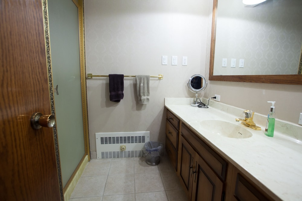 Bathroom, Executive Suite in the Heart of Downtown Fairbanks