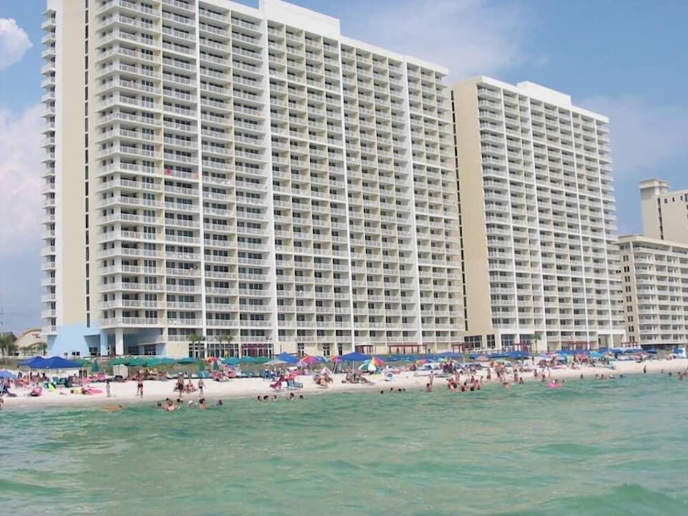 Majestic Beachfront Condo With Amazing Beach Views In Panama