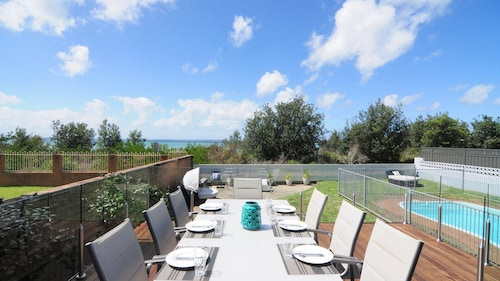 Bella Blu :: 3 Bedroom Home With Pool, on Collingwood Beach