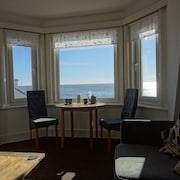 Seafront - Devon Holiday Apartment With Breathtaking Views