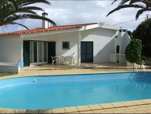 Algarve House With Fully Equipped Pool Rent