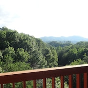 Smoky Mtn Top - Beautiful Views,5 min to Dollywood, Shops, Ripkin, Very Private