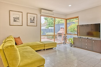 Spacious family home St Kilda