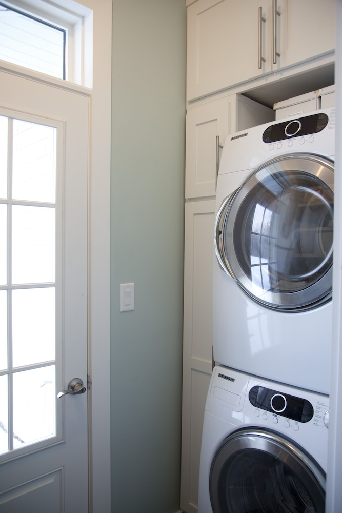 Laundry Room, Luxury Ocean Front Beach House
