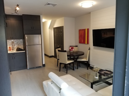 West 186th Street Basketball Court Accommodation: AU$137 Hotels Near