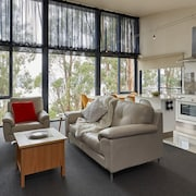 Treetops Luxury 1 Bed Apartment