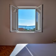 Entire House, 6 Beds, Sea and Mountain View, Bay of Kotor, Montenegro