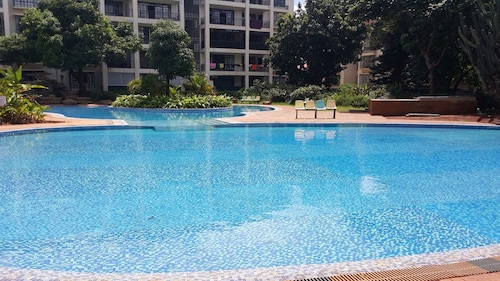 Newly Furnished 2 & 3 Bedroom Apartments