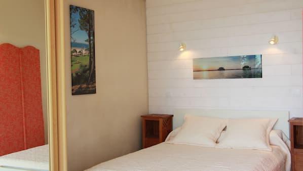 2 chambres, fer et planche à repasser, lit parapluie, Wi-Fi
