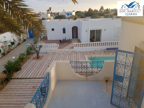 L01: TO Rent Villa With Swimming Pool FOR 4 People