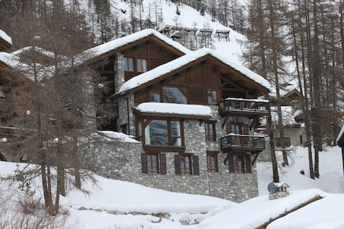 Chalet Cristal B, Val D'isère ski in ski out