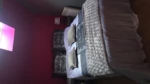 4 chambres, fer et planche à repasser, lits bébé, accès Internet