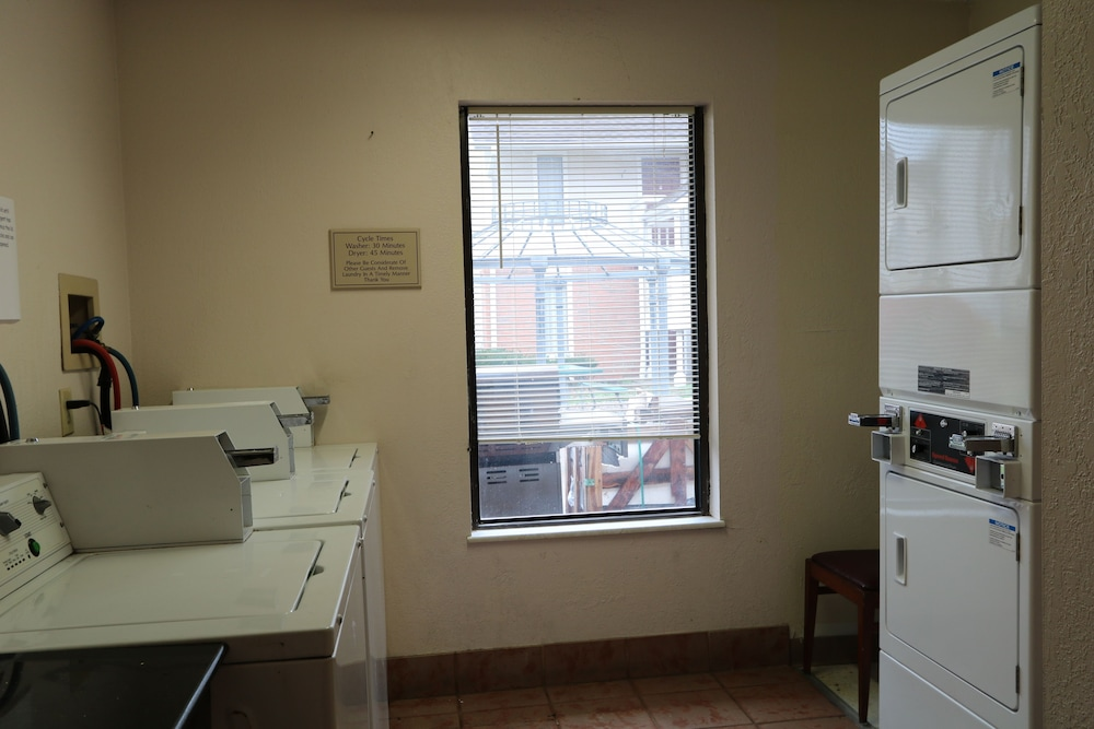 Laundry Room, StayPlace Suites - Akron Copley Township - West