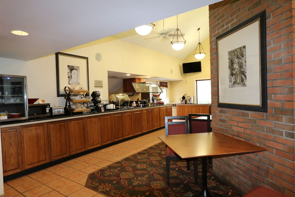 Coffee Service, StayPlace Suites - Akron Copley Township - West