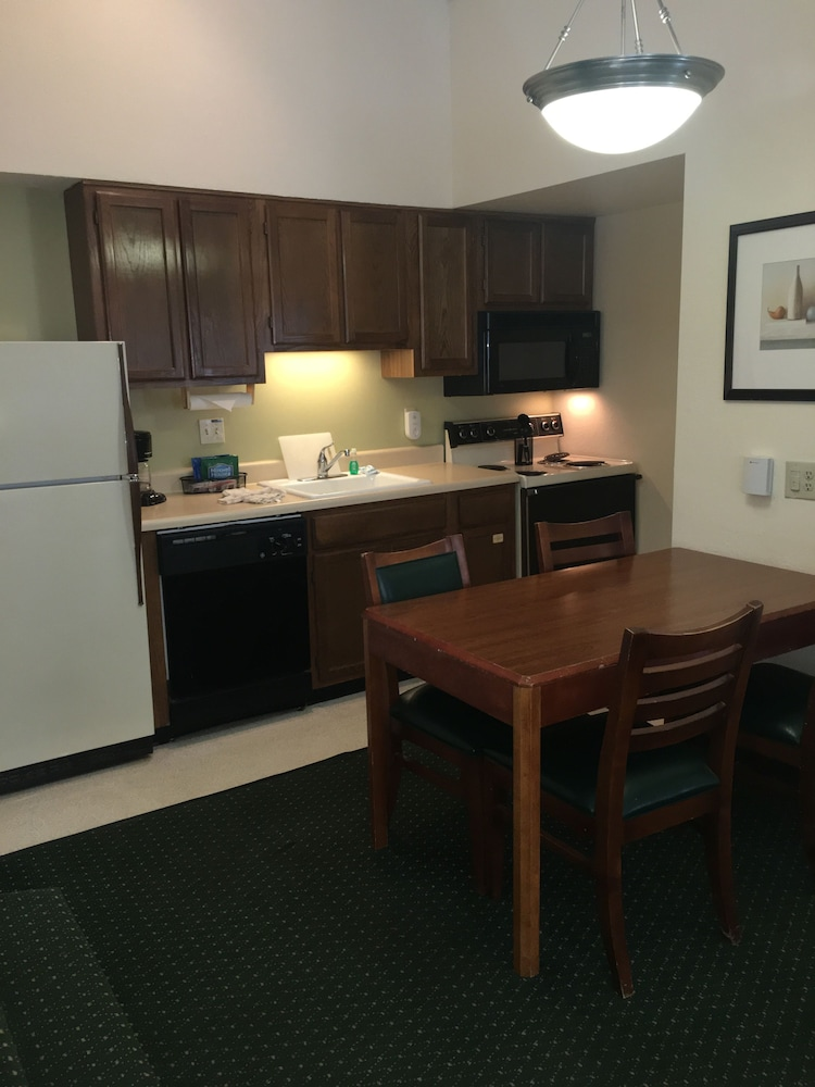 Private Kitchen, StayPlace Suites - Akron Copley Township - West