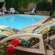 La Plume A1 Pool Garden Apartment in Apt in Provence Luberon