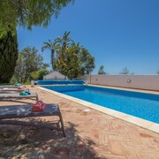 Detached Villa With Heated Pool