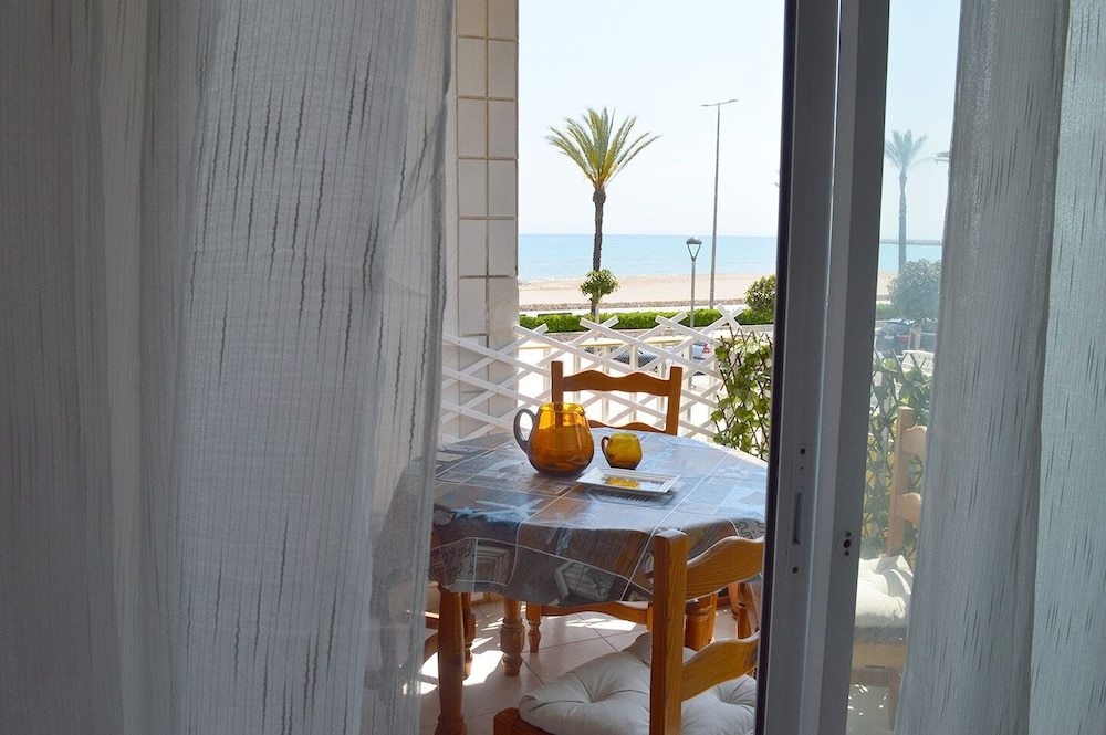 Featured Image, new Apartment in Front of the Beach