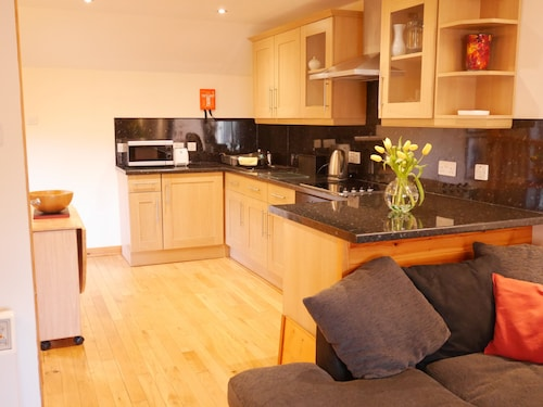 Bright, Modern one Bedroom Flat in the Centre of Kirkwall, Orkney