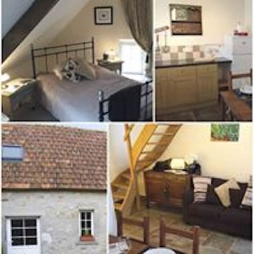 La Grange - one Bedroom Beautiful Country Cottage in Rural Fresville Normandy