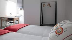 Iron/ironing board, cots/infant beds, WiFi, bed sheets