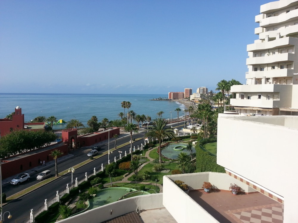 Stunning Apartment Fully Equipped at Benal Beach Complex