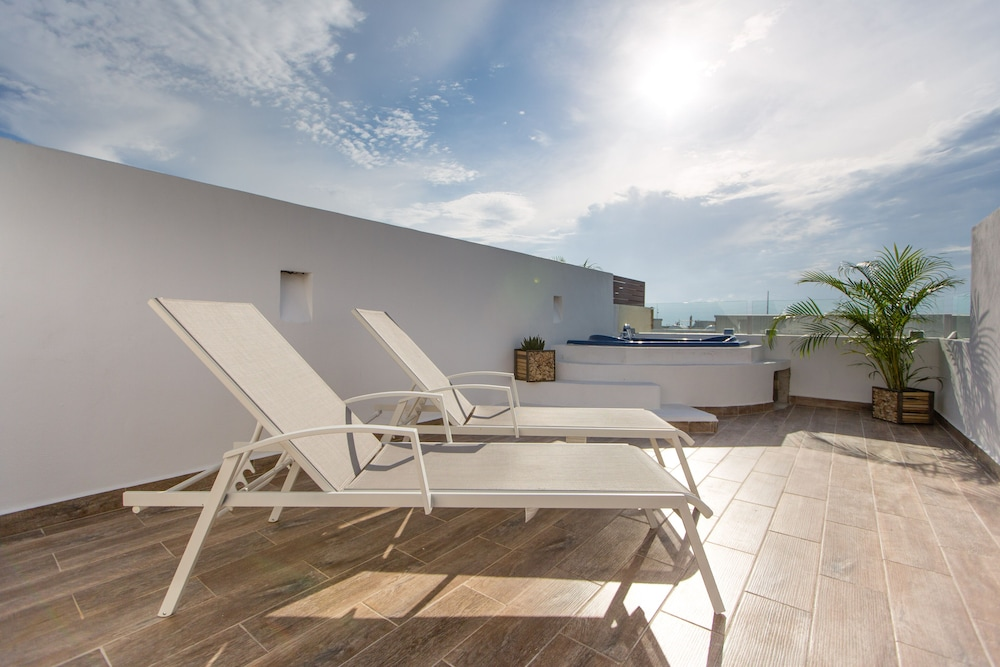 Jacuzzi En Terraza.Central Amazing Ph With Private Rooftop And Jacuzzi Precios