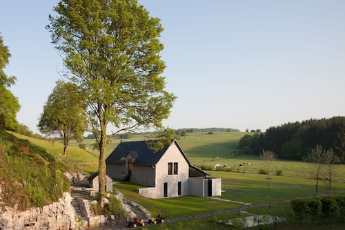 La Micheline, Isolated Design House With View Over the Fields, Closed to Dinant, Na