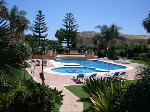 Townhouse in Marbella, First Line of the Beach. Golf & Family