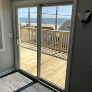 Condo-sleeps 6-steps From the Beach