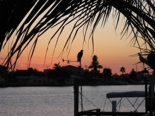 Beach Front 3/2 Water Front Home With Private Pool!