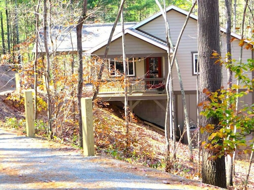 Peaceful Wooded Setting Just a Short Commute to Asheville!