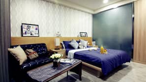 高級寢具、羽絨被、特厚豪華床墊、家具佈置各有特色