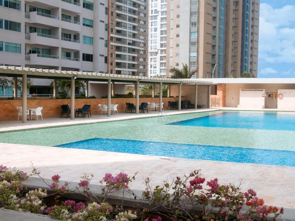 Pool, Cozy Apartment by Buena Vista Shopping Mall