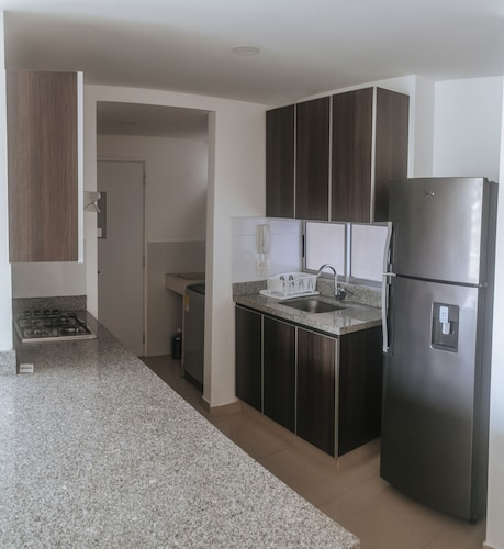 Private Kitchen, Cozy Apartment by Buena Vista Shopping Mall