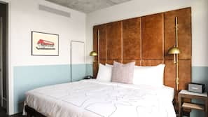 1 bedroom, Egyptian cotton sheets, premium bedding, pillow top beds