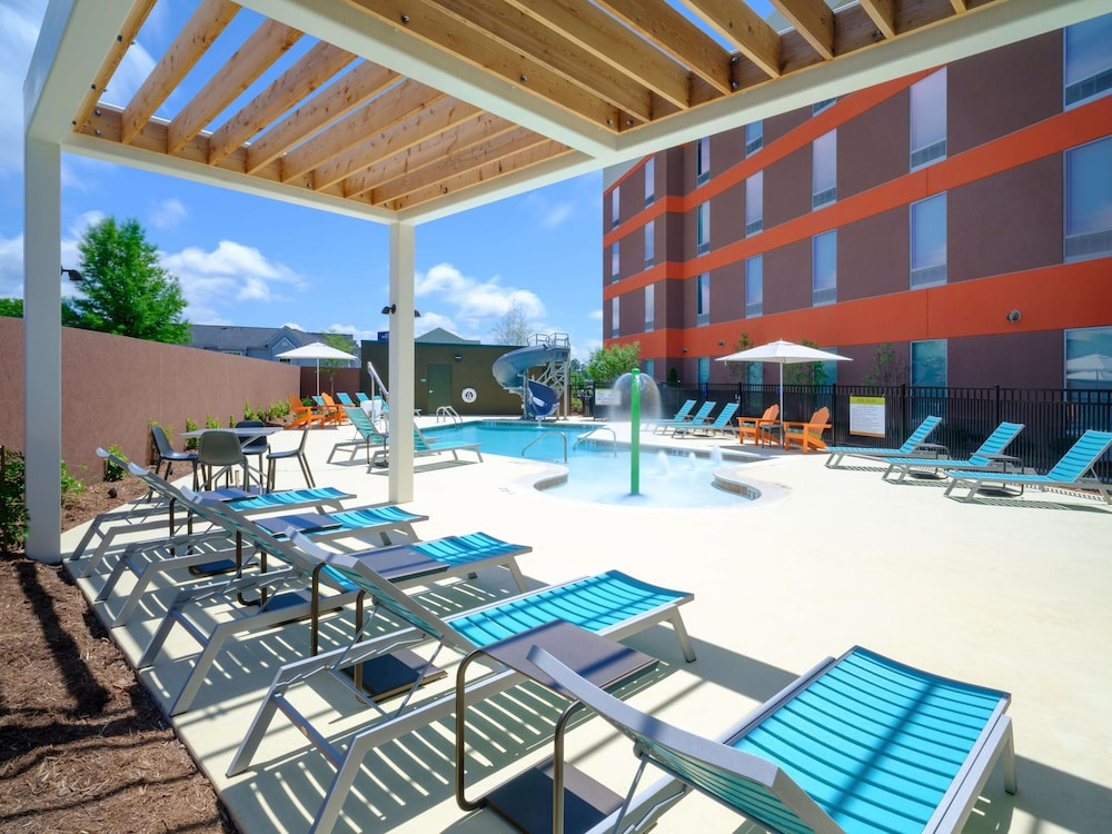Pool, Home2 Suites by Hilton Chattanooga Hamilton Place
