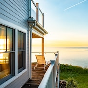 Cliff Side Home Directly on Cape Cod Bay