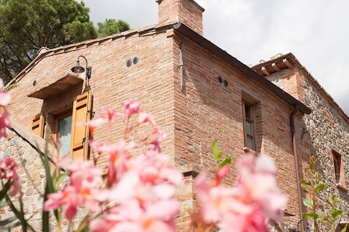 I Tigli #5, two Bedrooms Apartment, 5 km From the Famous Town of Montepulciano