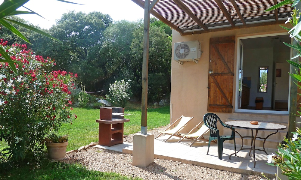 Balcony, Porto-vecchio, Independent T2 in Villa, Covered Terrace, Garden, air Conditioning, Wifi