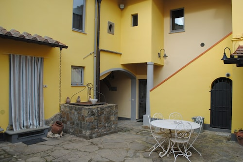 aaac69cdad1 A Comfortable Apartment in the Tuscan Countryside Next to the City Center