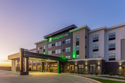 Holiday Inn & Suites Cedar Falls - Waterloo Event Ctr